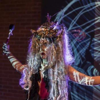 "Espetáculo ""Ritualístika"" conecta a ancestralidade à contemporaneidade por meio de diversidade sonora"